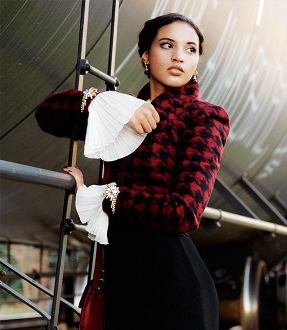 Introvert Life - Christmas Fashion Look 1, Photo 5. INTJ Fashion Blogger I'mari Avey. Photo Credit: Mechelle Avey. Published in Alwaysuttori.com