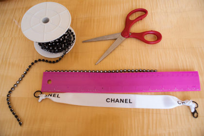 Chanel Ribbon D-I-Y Choker. Tools of the DIY. Alwaysuttori.com. 2016.