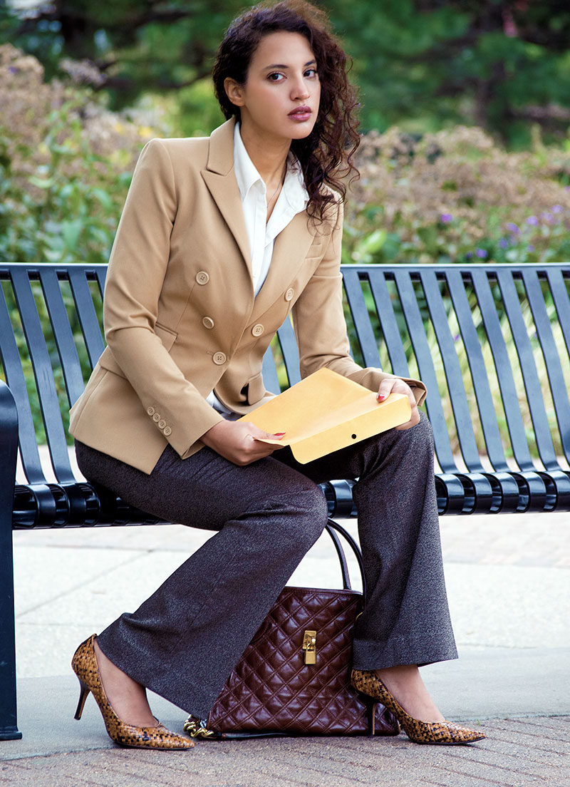 Alwaysuttori.com: INTJ Fashion Blogger, I'mari Avey wears an Olivia Pope costume for Subtleween 2016. Seated on Bench.