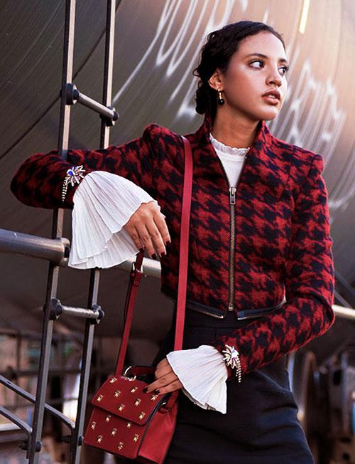Introvert Life - Christmas Fashion Look 1. INTJ Fashion Blogger I'mari Avey. Photo Credit: Mechelle Avey. Published in Alwaysuttori.com.