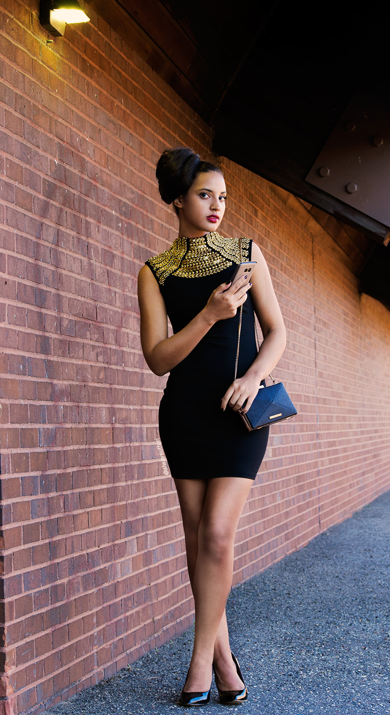 Introvert Life - New Year's Fashion Look 1. Photo 3. INTJ Fashion Blogger, I'mari Avey. Photo Credit: Mechelle Avey. Published in Alwaysuttori.com