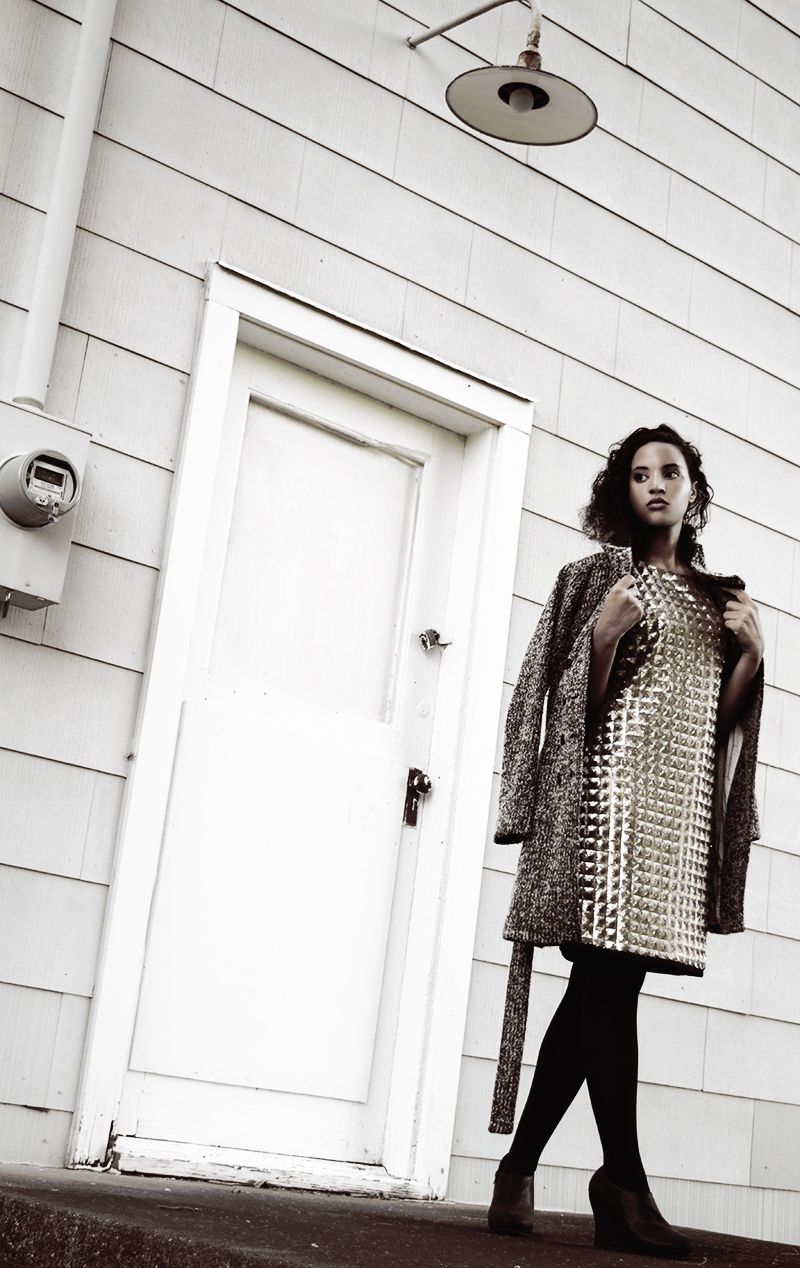 Goldfinger Christmas, photo 2. Photo Credit: Mechelle Avey. Introvert Life - Christmas Fashion Look 4. Alwaysuttori.com
