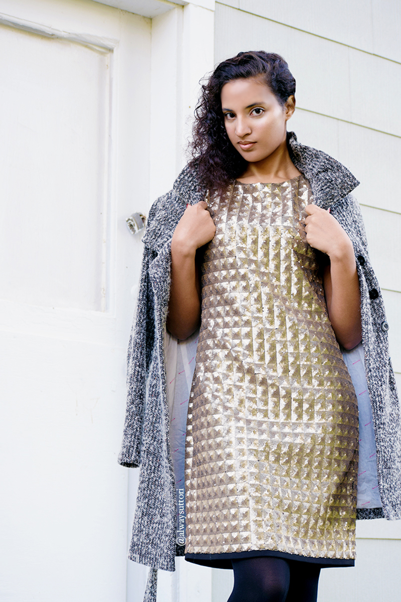 Goldfinger Christmas, photo 1. Photo Credit: Mechelle Avey. Introvert Life - Christmas Fashion Look 4. Alwaysuttori.com