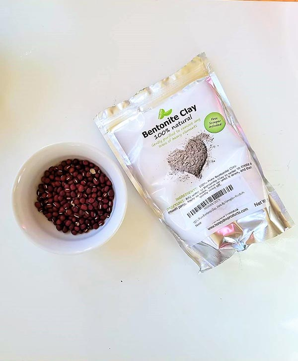 face mask ingredients. Photo Credit: I'mari Avey. Uttori Beauty: Adzuki Bean Face Scrub Mask. Alwaysuttori.com