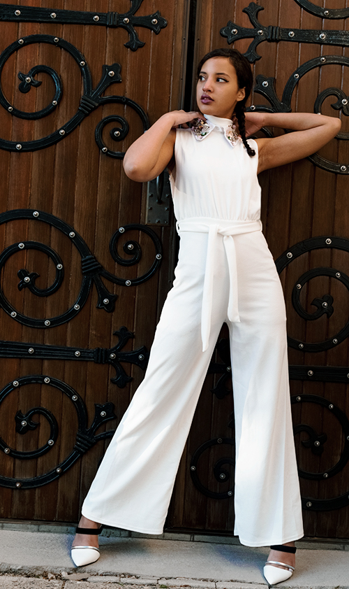 Spring Fashion Collar. Photo Credit: Mechelle Avey. Always Uttori Spring Fashion Whites. Alwaysuttori.com