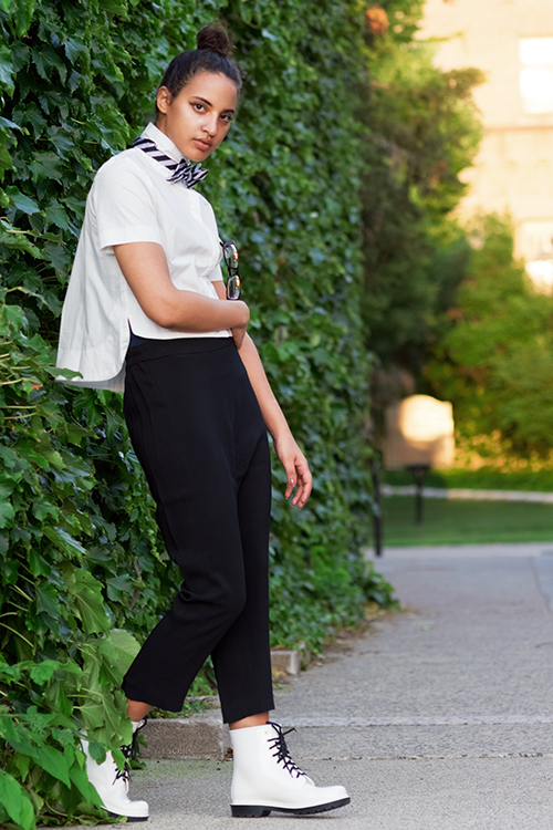 Back-to-school Look 3, P1. Photo Credit: Mechelle Avey. Slay The Books Looks Back to School Fashion 2017 Look 3. Alwaysuttori.com