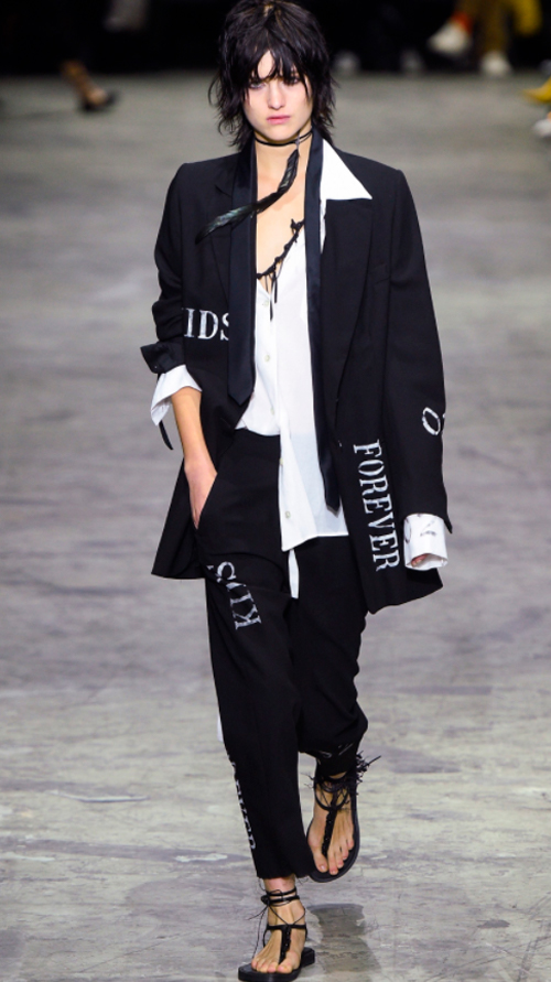 Ann Demeulemeester 2. Photo Credit: Vogue.com. Uttori Style | 2018 Spring Transition Fashion. Alwaysuttori.com