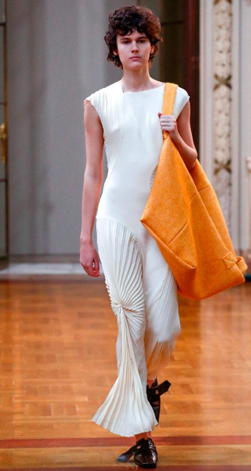Vicotoria Beckham Fall 2018. Photo Credit: Alessandro Garafolo via Vogue.com. Fall Fashion Guide for INTJ Fashionistas. Alwaysuttori.com.